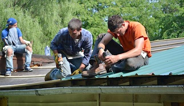 Kentucky fixing roof