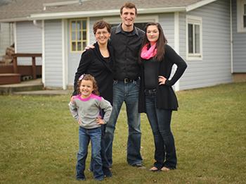 Megan Morris '07 and family