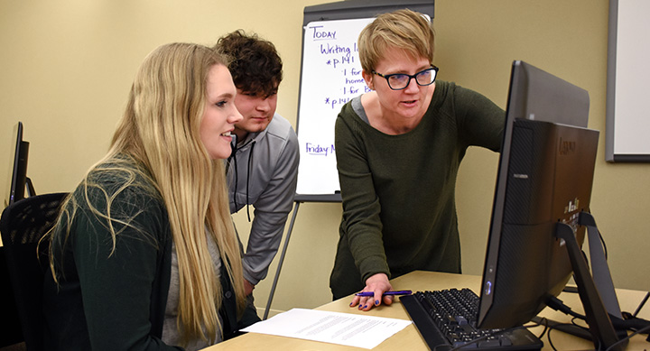 Bluffton University hosts competition for high school journalists